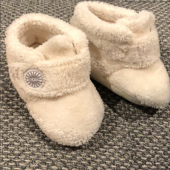 1ac0a533f98 UGG Infant Bixbee Booties, SIZE 2/3 (6-12 months)